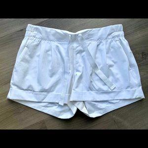 Lululemon Spring Break Away Short II White Size 8